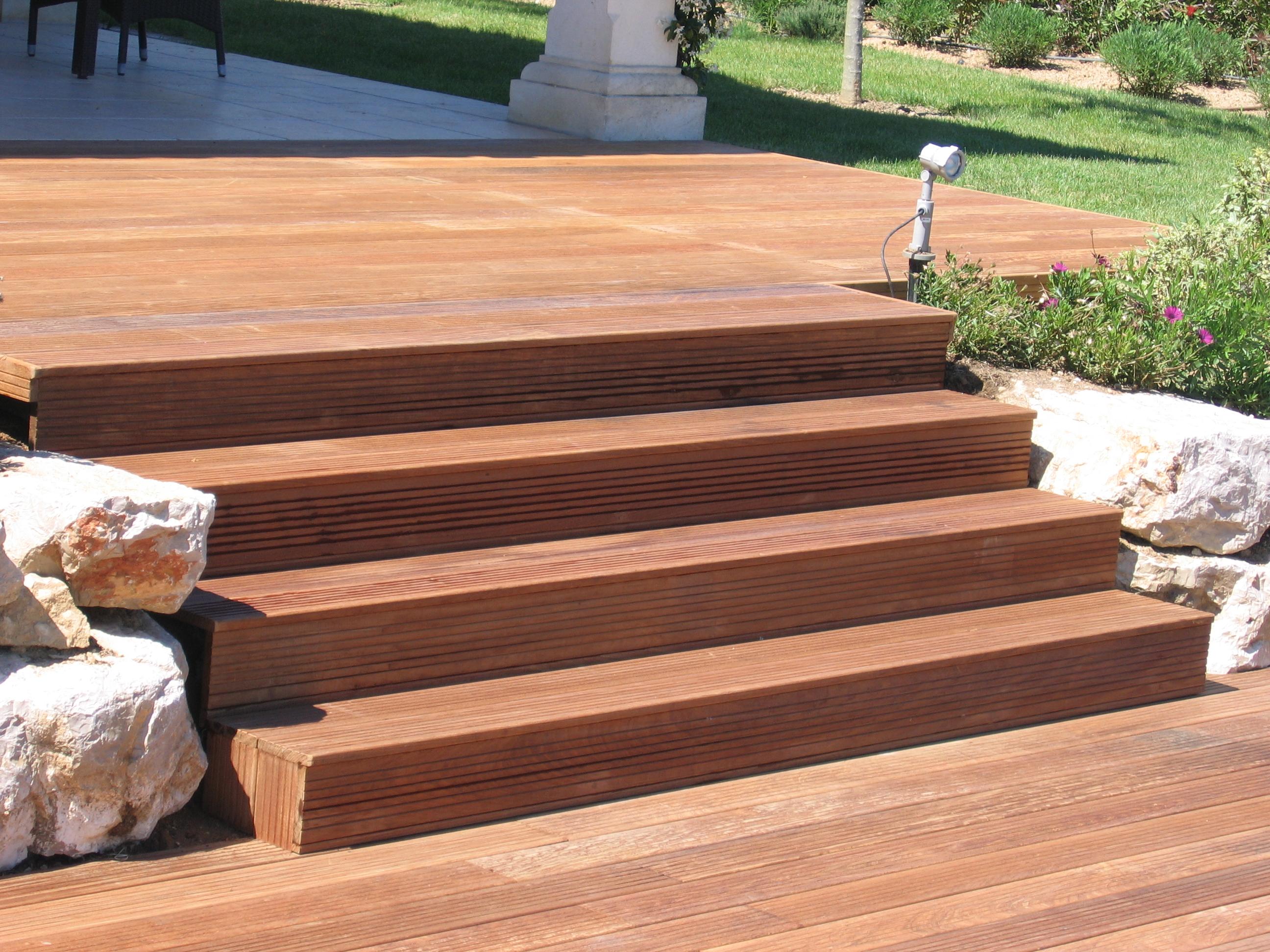 génial awesome escalier exterieur marches jardin les ralisations de performance  carrelage carreleur dans le var with escalier terrasse exterieur jardin